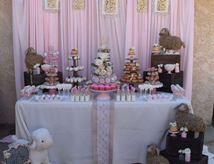 Little Lamb Dessert Table